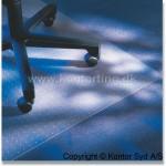 Et stoleunderlag er nødvendigt hvis du ikke vil ødelægge for tusinde kroner gulv (foto kontorting.dk)
